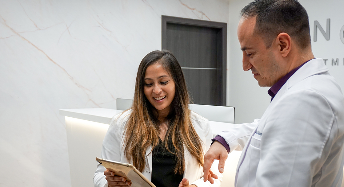 Are you looking for the best varicose vein clinic in SD? We introduce you to the best vein center, vein doctors, and minimally invasive varicose vein treatments in San Diego.